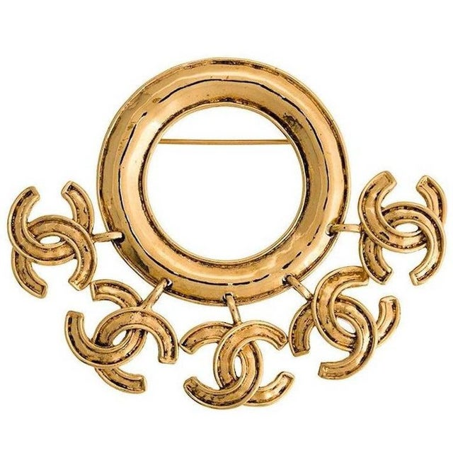 1990s Chanel Vintage Gold Round Hanging Charms Evening Brooch For Sale - Image 5 of 5