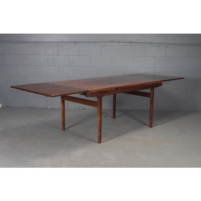 Danish Modern Rosewood Extension Dining Table For Sale - Image 4 of 11