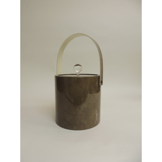Vintage Retro Ice Bucket With Handle and Lucite Handle For Sale - Image 4 of 4