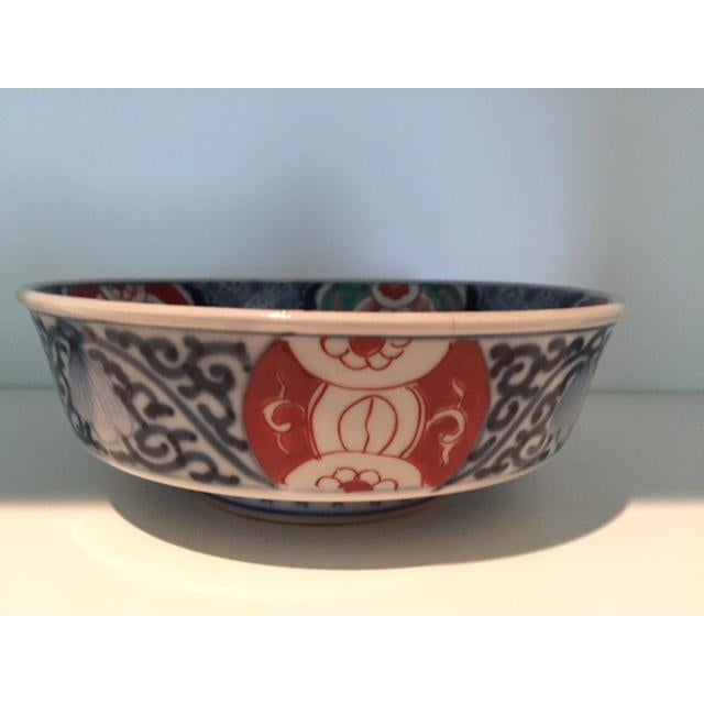 Antique 1835 Japanese Imari Porcelain Colored Bowls - a Pair For Sale - Image 10 of 13