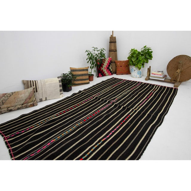 1960s Vintage Striped Black Kilim Rug- 4′9″ × 8′2″ For Sale In Los Angeles - Image 6 of 7