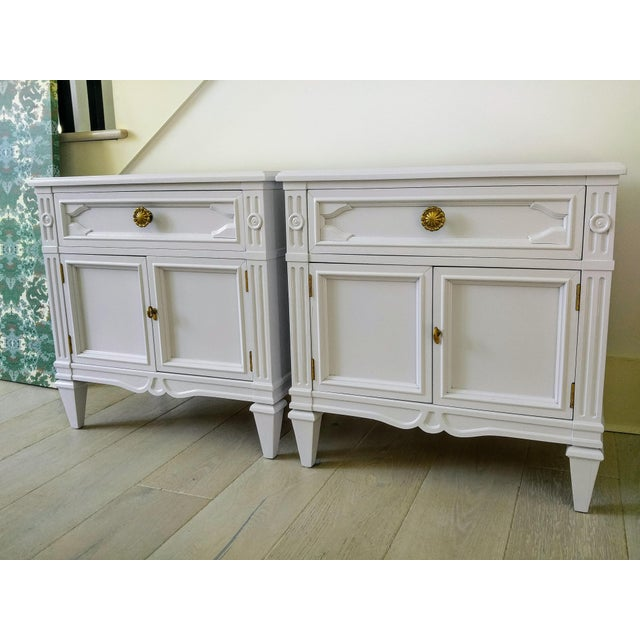 Final Markdown Drexel Heritage Pale Lavender Lacqured Nightstands - a Pair For Sale - Image 10 of 10