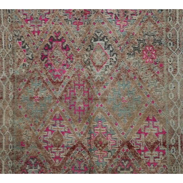 """1970's Vintage Moroccan Boujad Rug- 5'9"""" X 9'8"""" For Sale - Image 4 of 6"""