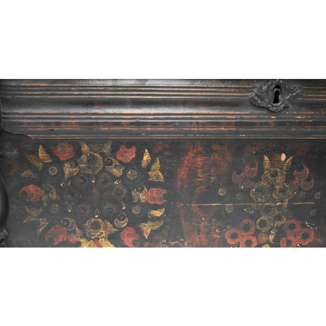 Painted Pine and Oak Trunk or Blanket Chest in Original Paint For Sale - Image 9 of 13