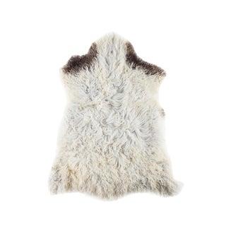 """Contemporary Handmade Long Soft Wool Sheepskin Pelt - 2'4""""x3'3"""" For Sale"""