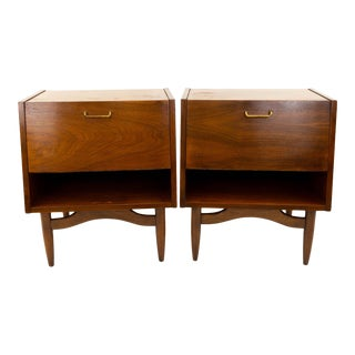 Mid Century Modern Merton Gershun for American of Martinsville Nightstands - a Pair For Sale