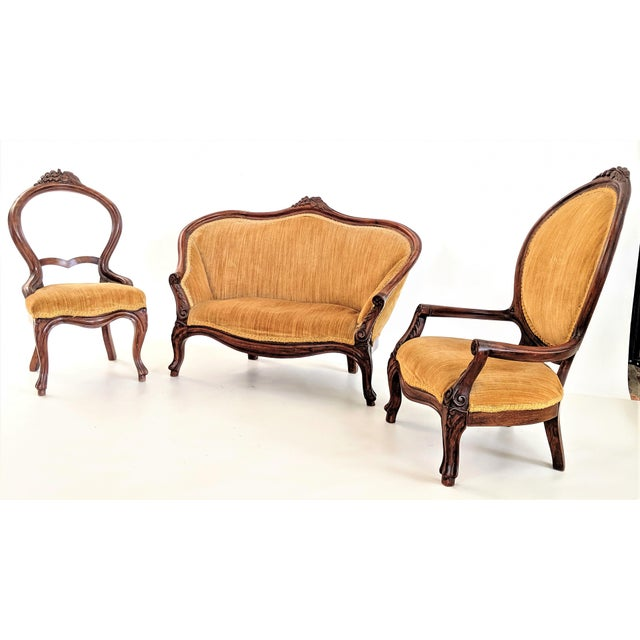 Absolutely amazing child's size Victorian parlor set circa 1940. All original condition with original velvet upholstery in...