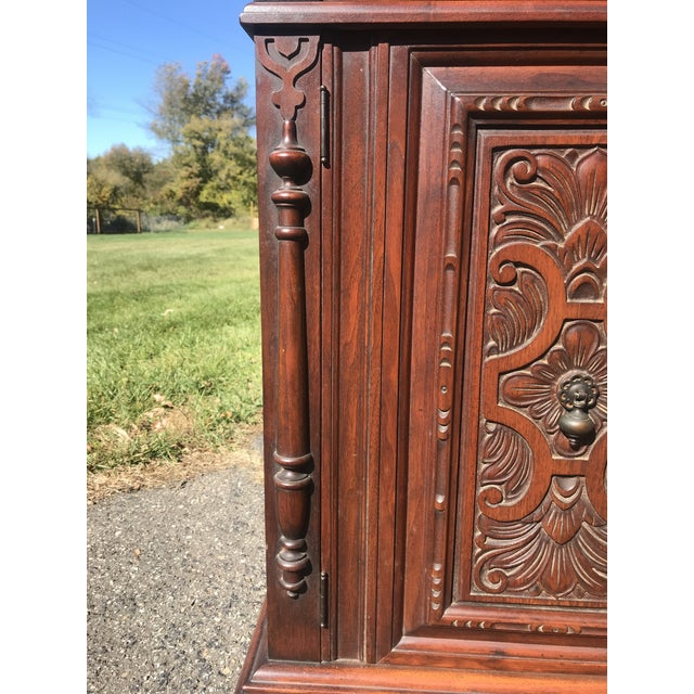 Art Nouveau Walnut Hutch by Berkey and Gay For Sale - Image 6 of 12