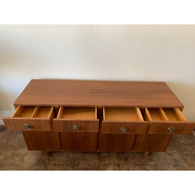 1950s American of Martinsville Credenza For Sale - Image 5 of 10