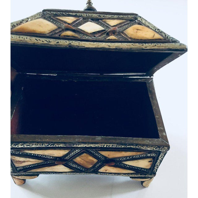 Moroccan Decorative Jewelry Box Inlaid With Bone and Silvered Brass For Sale - Image 9 of 13