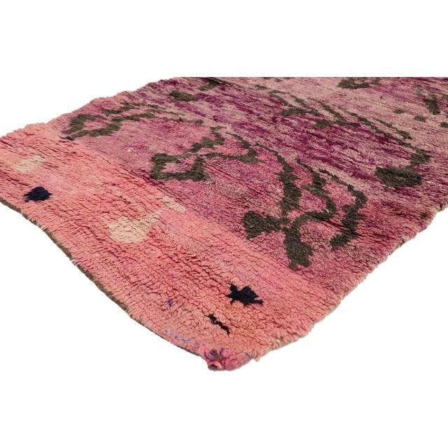 21002, vintage Berber Moroccan Talsint rug with Memphis design, Shag Hallway runner. Displaying asymmetrical spontaneity...