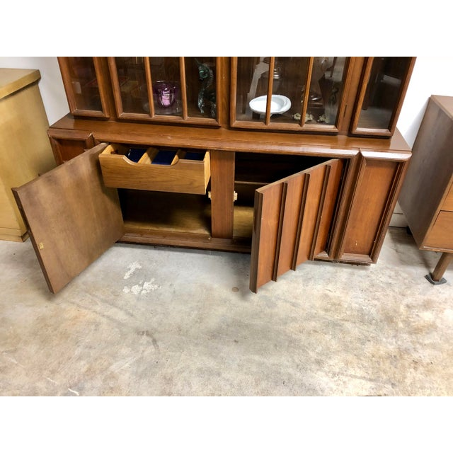Keller Furniture 1960s Mid Century Modern Keller Furniture Walnut China Cabinet For Sale - Image 4 of 7