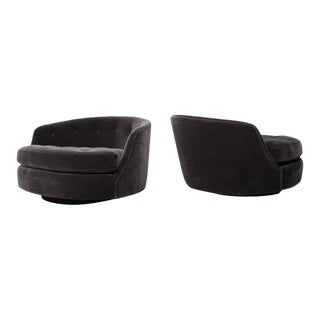 Large Pair of Swivel Chairs Designed by Milo Baughman