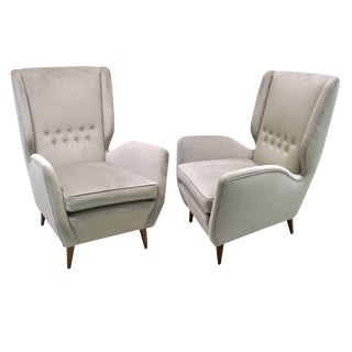 Gio Ponti 1940s Vintage Italian Pair of High Back Armchairs in Light Grey Velvet For Sale