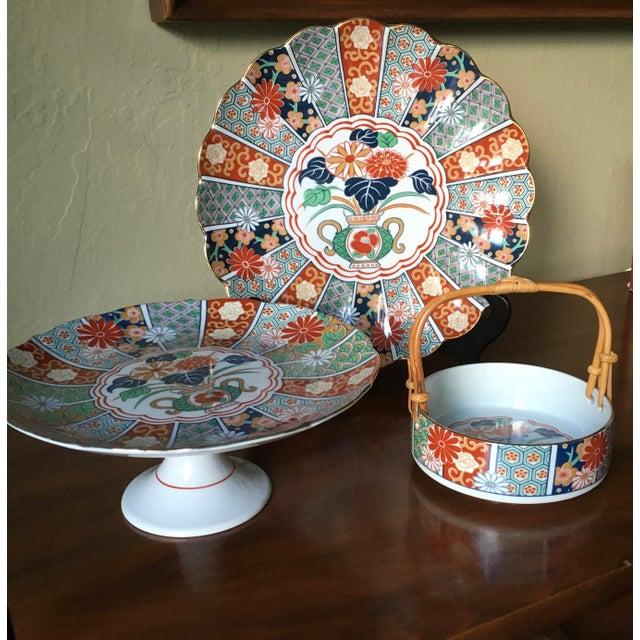 Japanese Imari Porcelain Serving Dishes - Set of 3 For Sale In San Francisco - Image 6 of 13