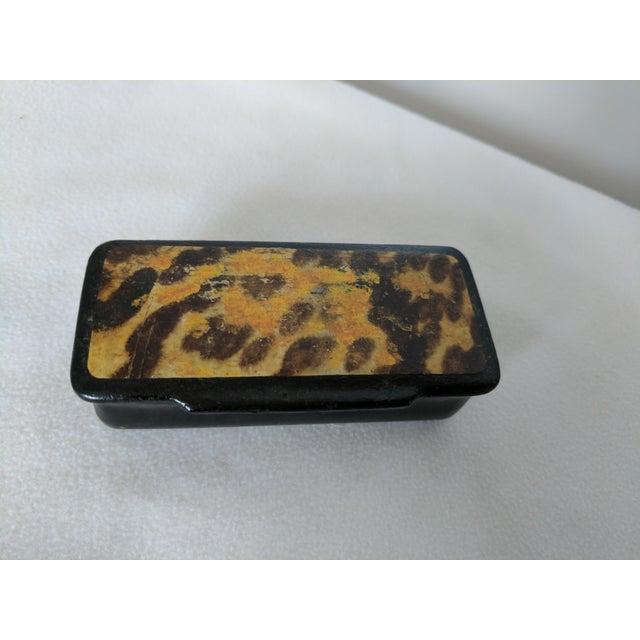 Adorable Victorian 19th Century papier mache box. Original hinges. Top cover resembles a mottled leopard print pattern....