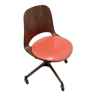 Swivel Desk Chair in the Style of George Mulhauser for Plycraft For Sale