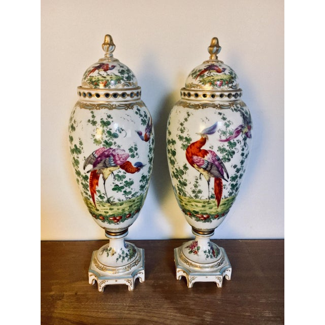 18th Century Chelsea Birds Porcelain Potpourri Urns - a Pair For Sale In Baltimore - Image 6 of 9