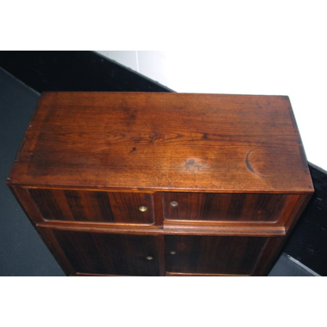 Brown Reserved 19th Century Small Japanese Tansu Cabinet For Sale - Image 8 of 12