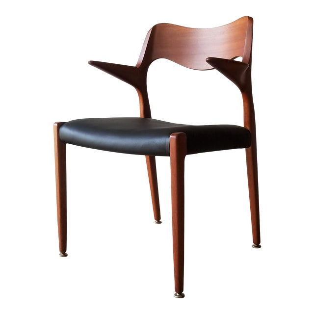 1960s Newly Upholstered Niels Moller Model 55 Dining Chair For Sale