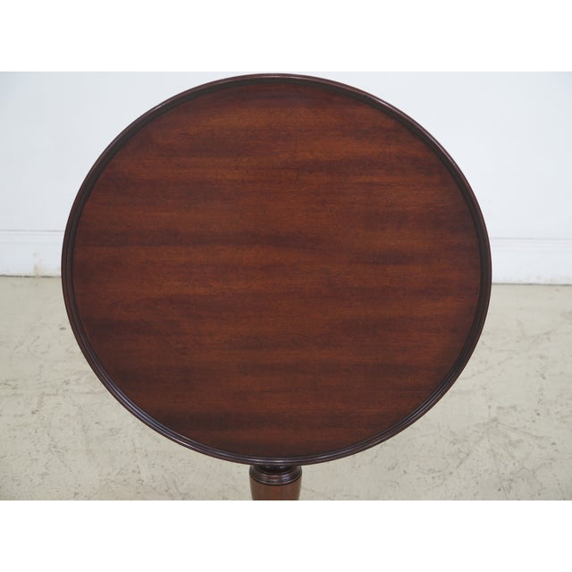 Traditional Kittinger Colonial Williamsburg Model CW-11 Mahogany Tilt Top Table For Sale - Image 3 of 11