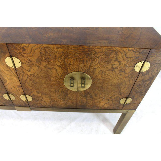 1970s Burl Wood and Solid Brass Hardware Compact Double Doors Credenza For Sale - Image 5 of 11