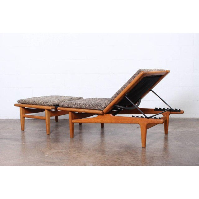 Hans Wegner Pair Of Oak Chaise Longues By For Sale
