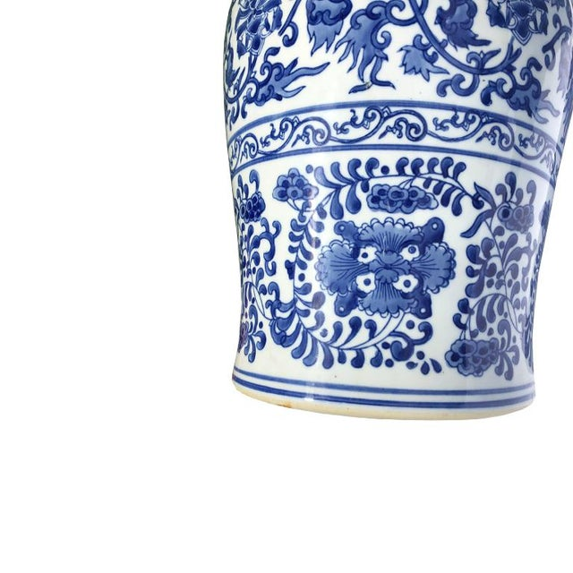 Asian 1930s Vintage Blue and White Chinoiserie Ceramic Floral Garden Stool Patio Entertaining Seating For Sale - Image 3 of 5