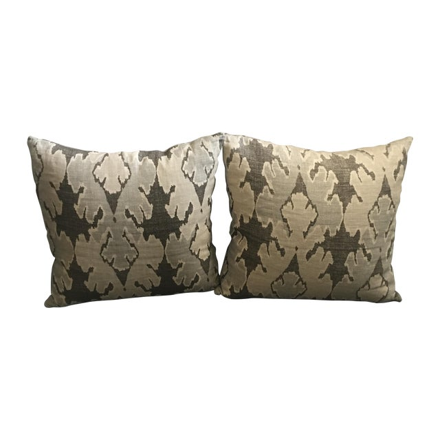 and imperial with channels walls fabric living wallpaper pillows no blue contemporary room kelly tehno wearstler ebay trellis in pillow idea