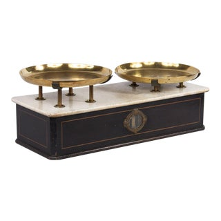 Late 19th Century Napoleon III Marble Bakery Scale For Sale