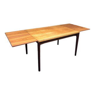 1960s Mid-Century Modern Dining Table With Extensions by Henning Kjærnulf for Vejle Møbelfabrik For Sale