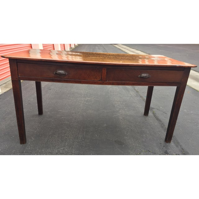 Beautiful antique farm table , has original patina, in excellent condition, two drawers for storage. Very sturdy. Looks to...