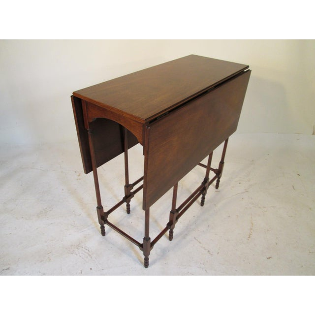 Baker Furniture Company 1940s Traditional Baker Drop Leaf Mahogany End Table For Sale - Image 4 of 9