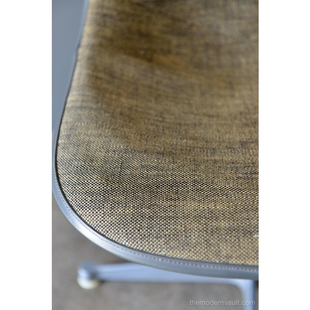 Gray 1964 Charles Eames for Herman Miller Psc Swivel Chair For Sale - Image 8 of 13
