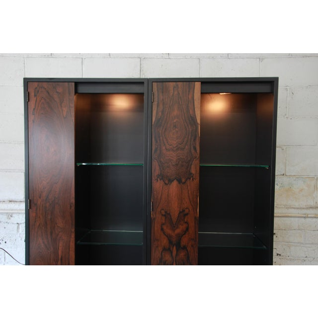 Harvey Probber Rosewood and Ebonized Wood Display Cabinets, Pair For Sale - Image 10 of 11