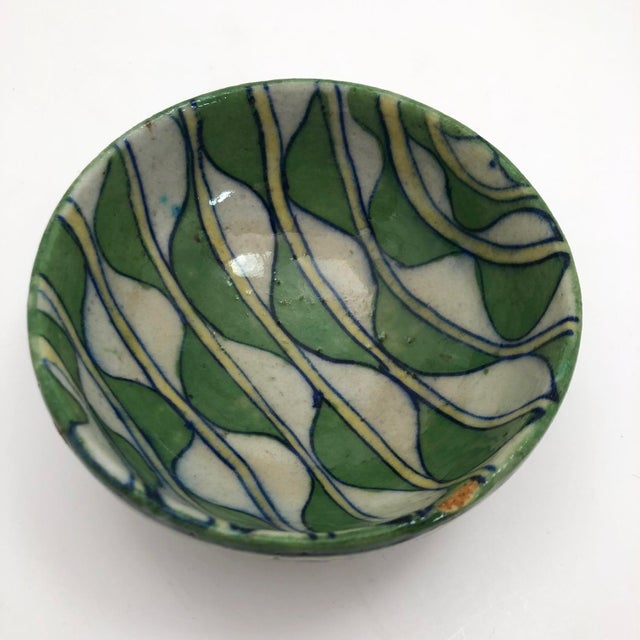 Early 20th Century Green and White Patterned Tin Glazed Small Ceramic Bowl For Sale In Boston - Image 6 of 13