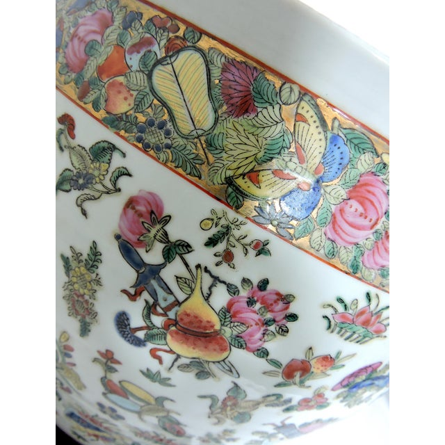 Ceramic Early 20th Century Antique Chinese Qianlong Porcelain Planter For Sale - Image 7 of 11