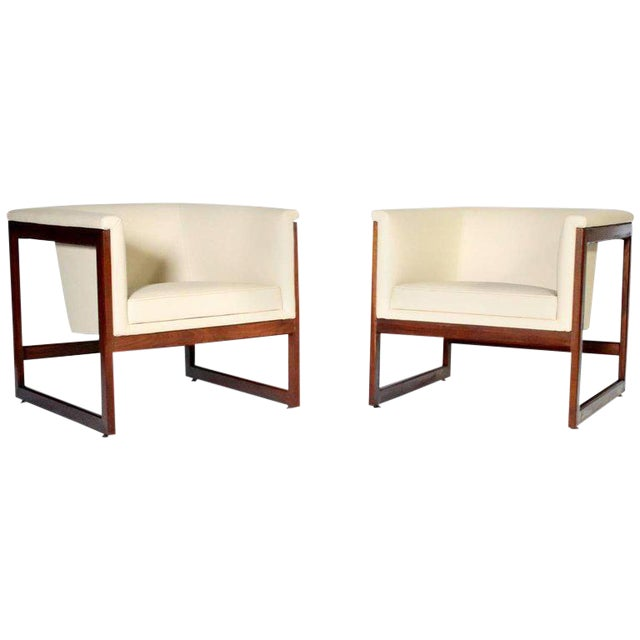 Pair of Milo Baughman Cube Club Chairs For Sale