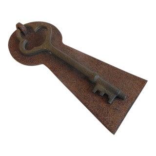 Rusty Rustic Vintage Skeleton Key Door Knocker For Sale