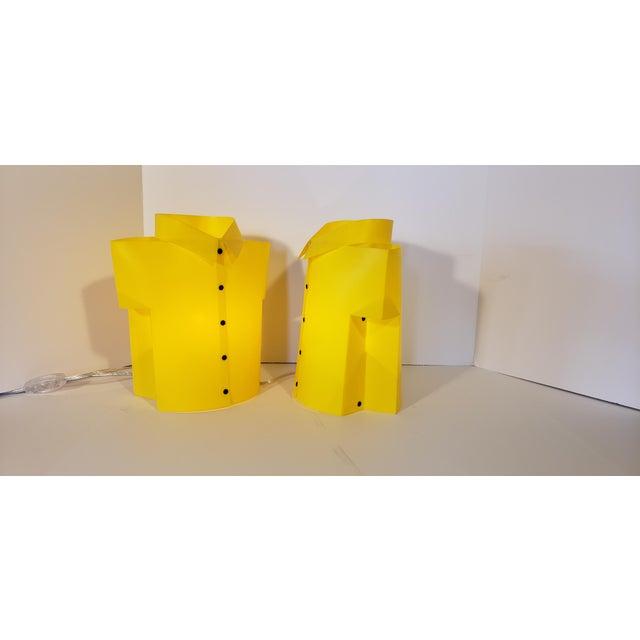 "Yellow Memphis Pop Art ""T Shirt"" Lamps - a Pair For Sale - Image 4 of 6"