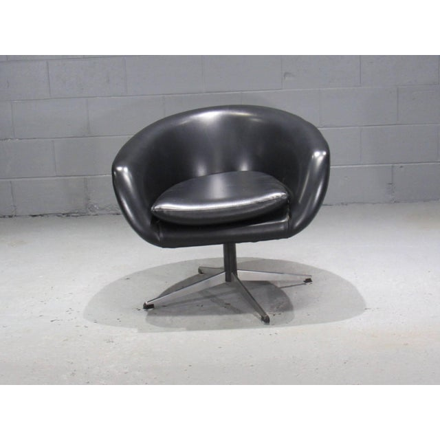 1960s Black Swivel Pod Chair by Overman For Sale - Image 5 of 6