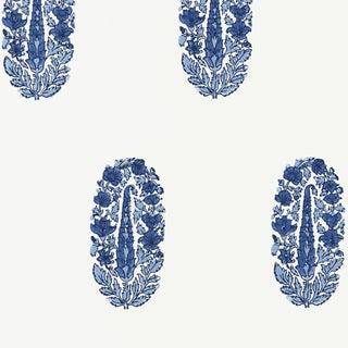 Sample - Schumacher Askandra Flower Wallpaper in Delft For Sale