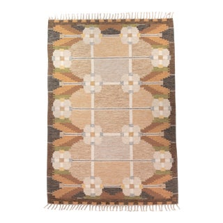 1960s Swedish Mid Century Handwoven Rölakan or Flat Weave Rug by Ingegerd Silow- 5′6″ × 7′8″ For Sale