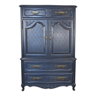 Hickory Manufacturing Company Queen Anne Style Blue Highboy Dresser. For Sale