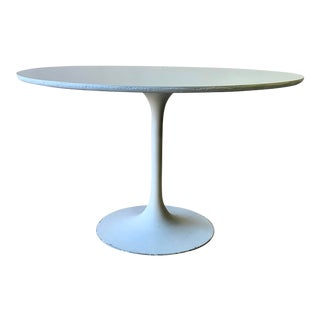 Saarinen Style Mid Century Modern Round Dining Table For Sale