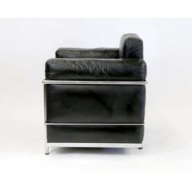 Le Corbusier Vintage Le Corbusier Style Black Leather Club Chair From Jfk Concorde Room For Sale - Image 4 of 11