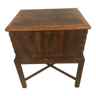 Traditional Kellogg Collection Mahogany Chest Side Table For Sale