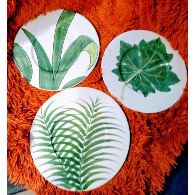 Ceramic Set of 3 Large Italian Vietri Hand Painted Tropical Decorative Leaf, Fern Palm Wall Plates For Sale - Image 7 of 7