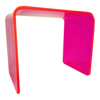 Memphis Lit Neon Pink Side Table For Sale