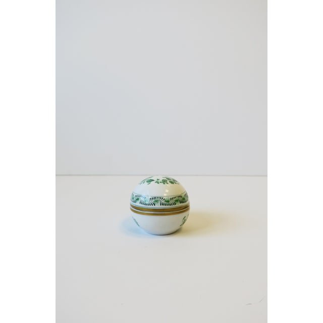 Herend White Green Gold Porcelain Egg-Shaped Jewelry Box For Sale In New York - Image 6 of 13